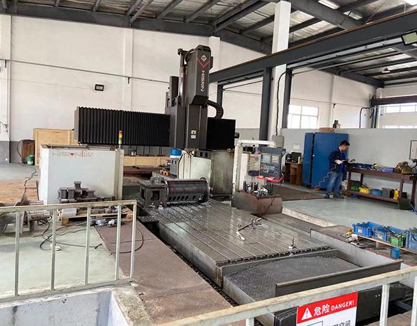 Gantry machining center 2m x 4m